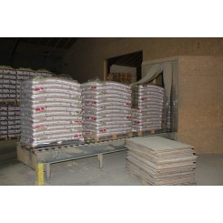 1 palle 8mm STEENS HP træpiller (16kg sække/896kg pr.pll) incl. moms + FRAGT
